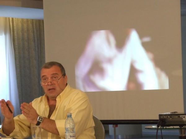 """Festivalul International de Teatru de la Sibiu: """"Crize. Cultura face diferenta."""" Si invers"""