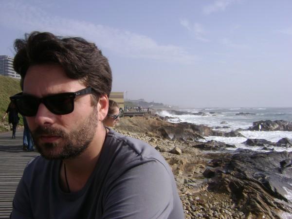 """Interviu cu scriitorul Tudor Ganea: """"De fiecare data cand scriu ceva, am sentimentul de bine"""""""