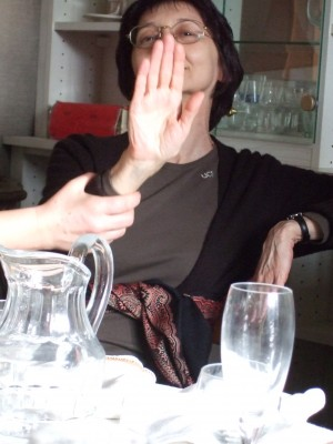 "Interviu cu scriitoarea Marta Petreu: ""Imi place sa ma plimb cu mainile in buzunare prin ceata deasa"""