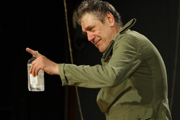 Anul teatral 2011, anul stagnarii