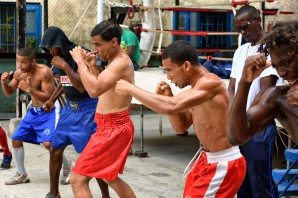 O zi buna de box: Gimnasio de Boxeo Rafael Trejo