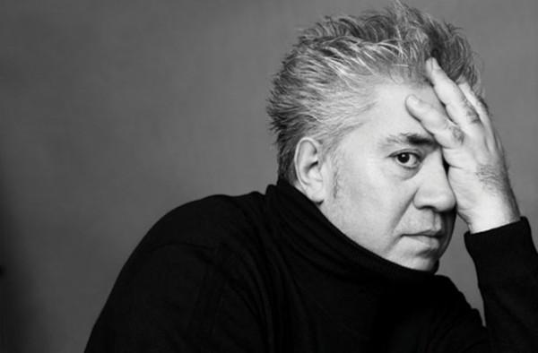"""Interviu cu cineastul Pedro Almodóvar: """"Sint foarte, foarte ingrijorat si motivele sint multe"""""""