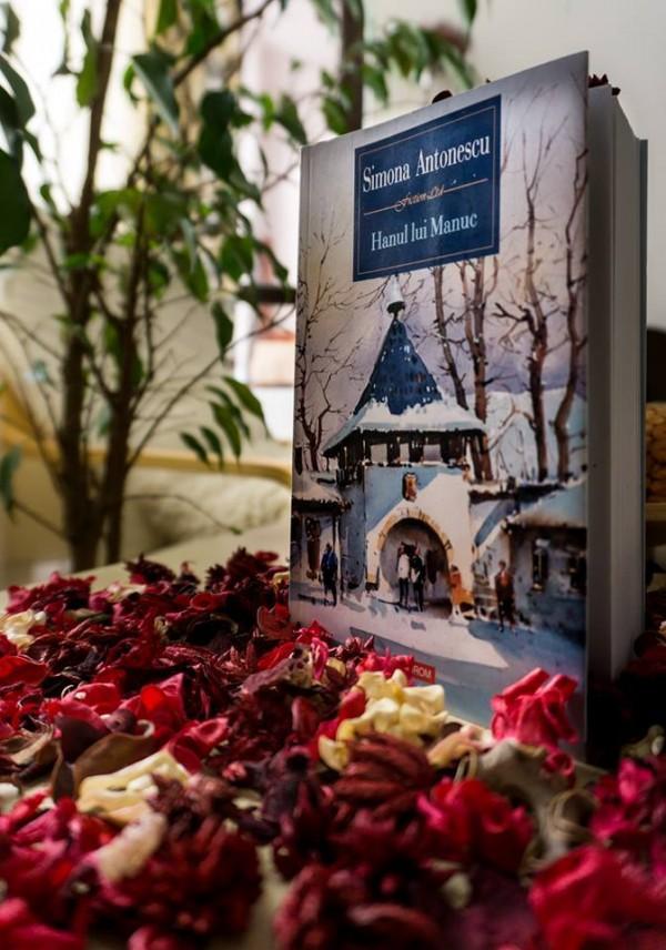 Interviu cu scriitoarea Simona Antonescu