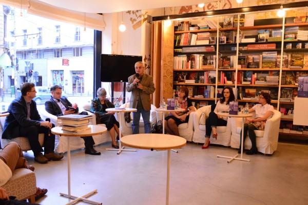 Dezbatere despre cea mai noua carte a Gabrielei Adamesteanu