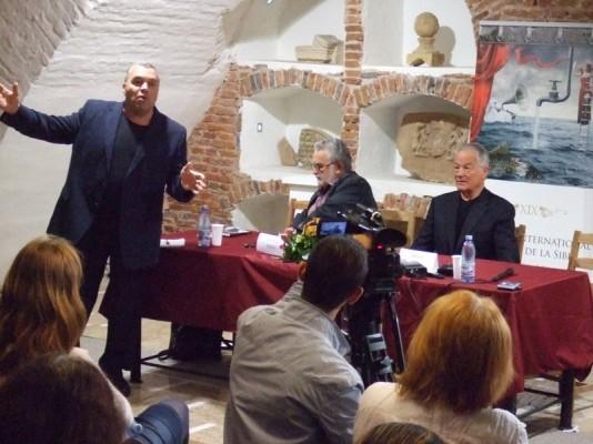 Festivalul International de Teatru de la Sibiu: De risul din strada si norii ar trebui sa asculte