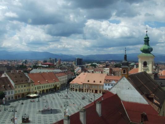 """5 ani de cind Sibiul a fost Capitala Culturala Europeana. Klaus Johannis: """"Doar evenimentele de buna calitate au rezistat in mediul cultural al orasului"""""""