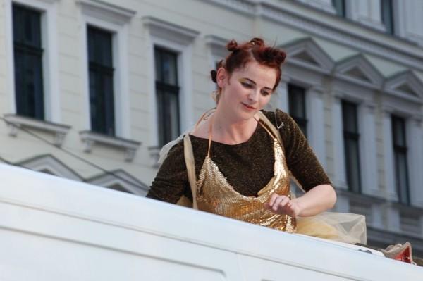 Teatrul Maghiar de Stat o duce pe MADY-BABY la festivaluri