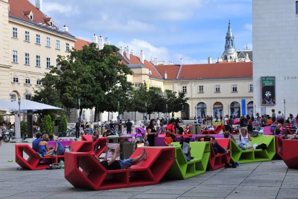 Romani la jubileul Museumsquartier din Viena