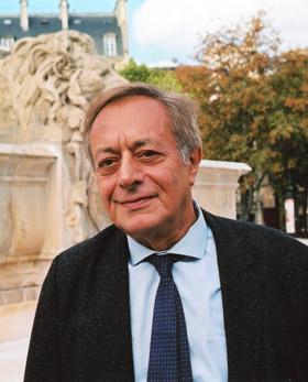 """Pierre Ménat, fost ambasador al Franței la București: """"Cartea mea nu se adresează numai unei elite francofone, i-ar putea interesa și pe mulți români"""""""