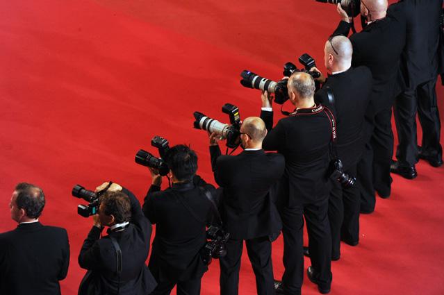 Les filles de Cannes – Cel mai important festival de film, prins la înghesuială între artă și politică