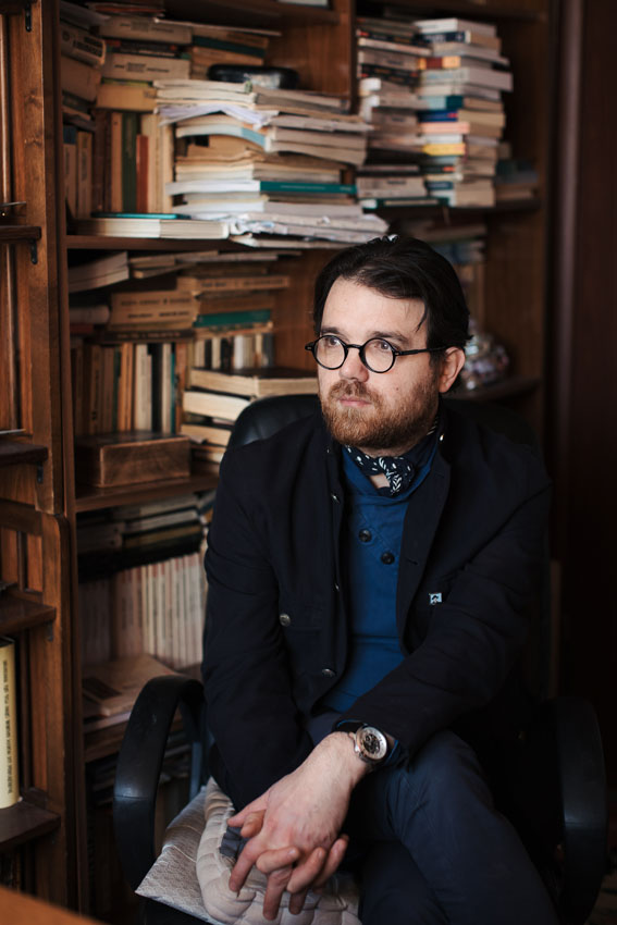 """Interviu cu scriitorul Adrian G. Romila – """"Când te apuci de scris, pornești cu ideile tale și termini cu ideile poveștii pe care-o scrii"""""""