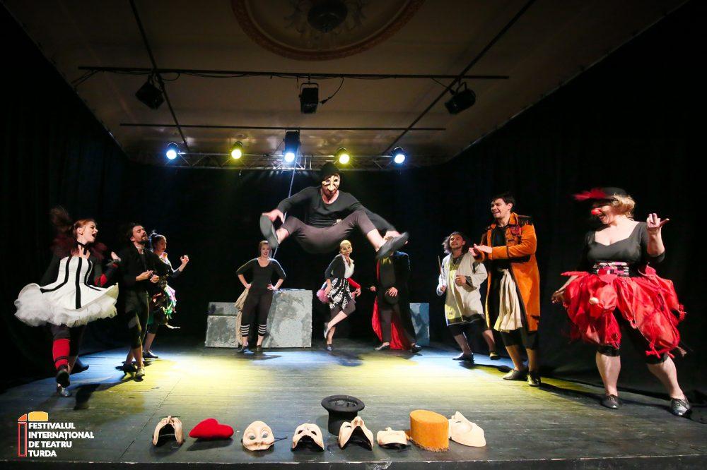 Teatrul din Turda trece Atlanticul