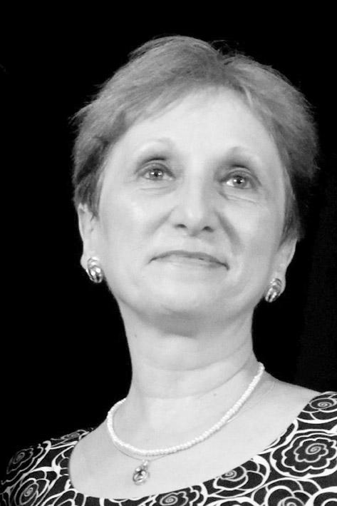"""Interviu cu Luminița Munteanu – """"Un traducător veritabil nu poate fi decât un cititor înrăit"""""""