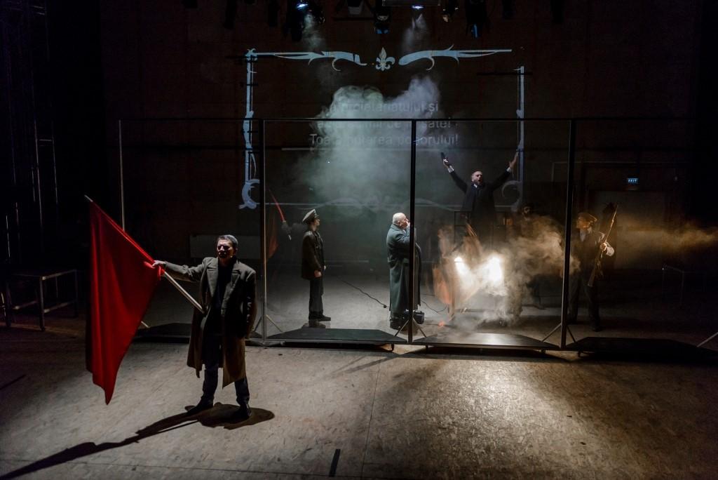 <i>Sfatul Țării</i> – spectacol difuzat simultan de Teatrele Naționale din Iași și Chișinău, cu ocazia Zilei Unirii Basarabiei cu România și a Zilei Mondiale a Teatrului