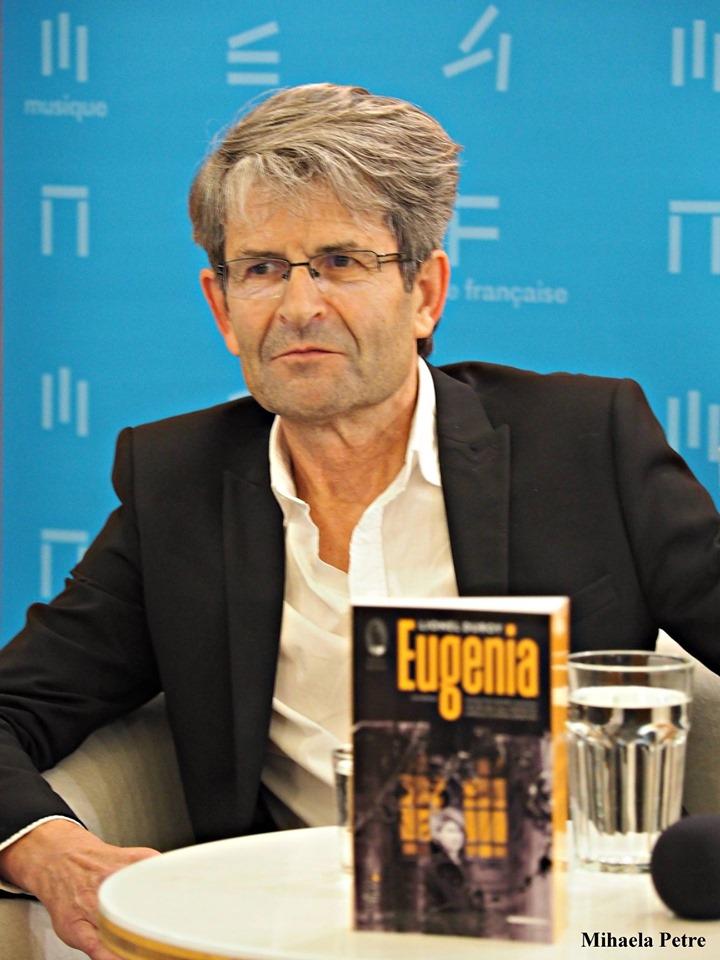 """Interviu cu scriitorul francez Lionel Duroy: """"Ce e interesant la viață e să ți-o inventezi"""""""
