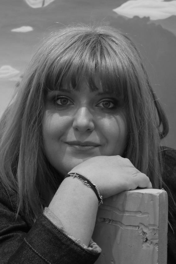 """Interviu cu traducătoarea Mihaela Ghiță – """"Traducerea este declarația mea de dragoste pentru literatură"""""""