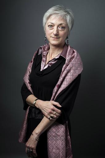 """Interviu cu scriitoarea Sylvie Germain: """"Nu pot face mai mult decât cărțile pe care le scriu și conferințele pe care le țin pe anumite teme"""""""