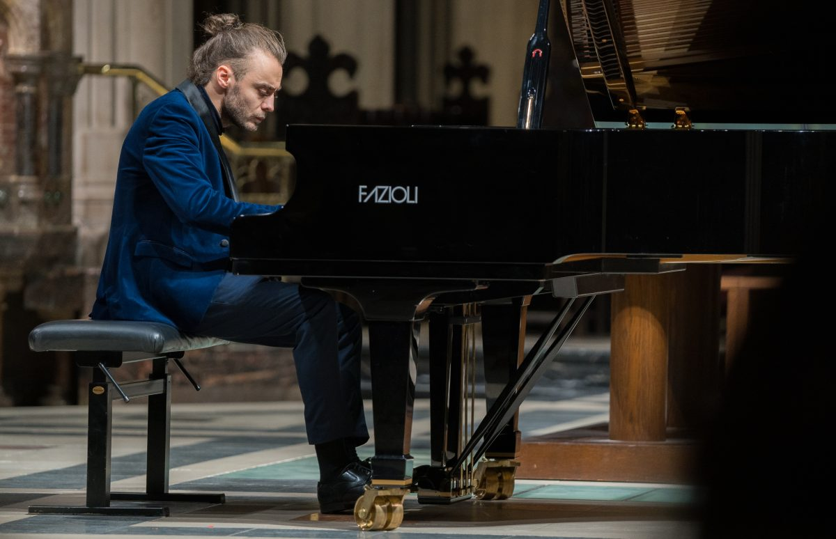 """Pianistul Daniel Ciobanu, primul artist în rezidență al Filarmonicii """"George Enescu"""""""