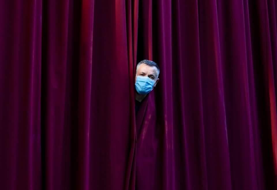 Pandemia și teatrul. Cum se organizează un festival internațional de teatru (FITPTI) în situație de avarie