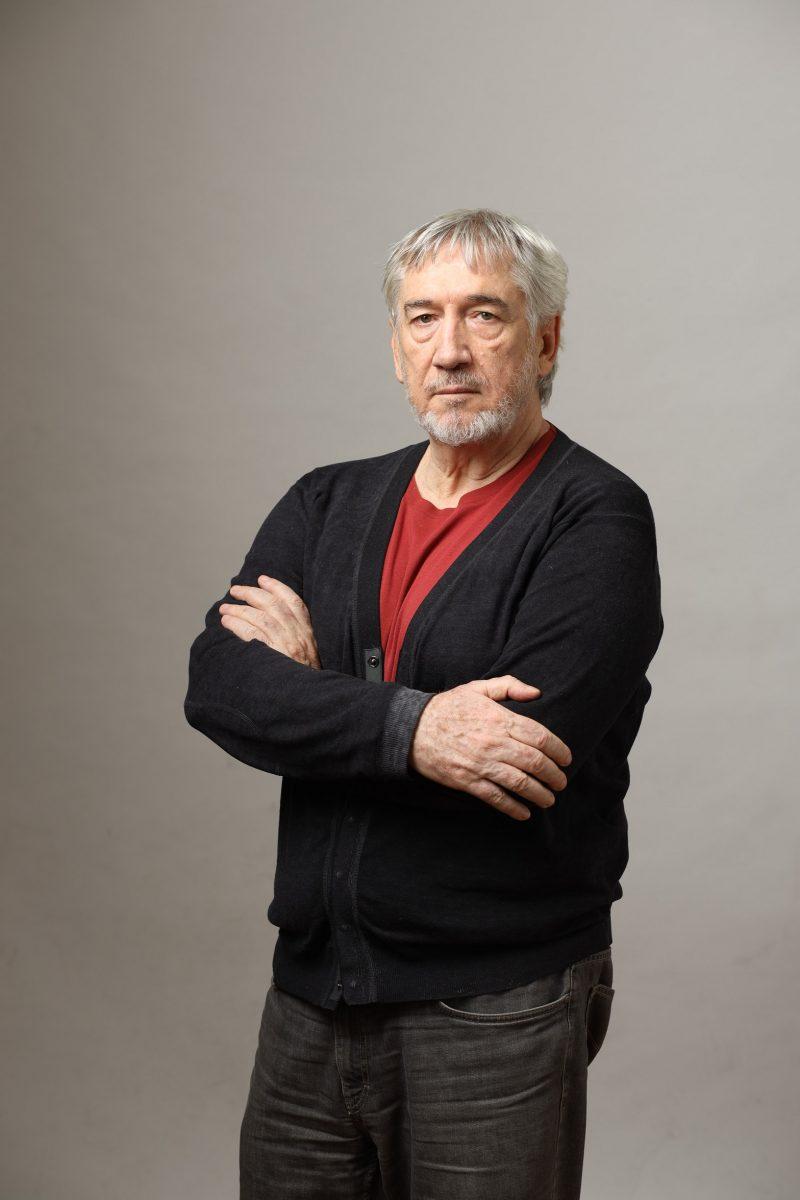 <i>5 minute</i>, în regia lui Dan Chișu, lansat oficial în 20 noiembrie