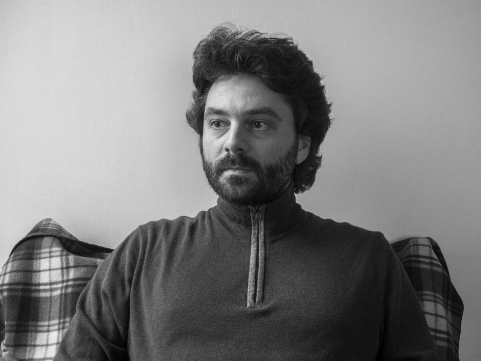 """Interviu cu scriitorul Tudor Ganea: """"Anii '90 au fost un wild-west al agorei din spatele blocului"""""""