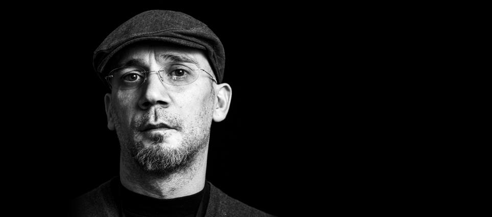 """Interviu cu scriitorul Cristian Fulaș: """"Militez pentru cealaltă istorie, istoria celor mulți și umili, adevărata viață"""""""