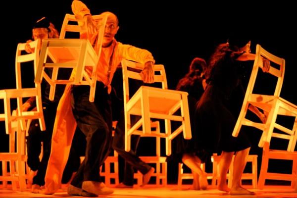 Festivalul International de Teatru de la Sibiu. Dati un festival la fiecare. Ajunge pentru toata lumea!