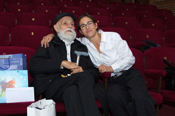 Nora Agapi a făcut un documentar despre pasiunea pentru imagine a tatălui său